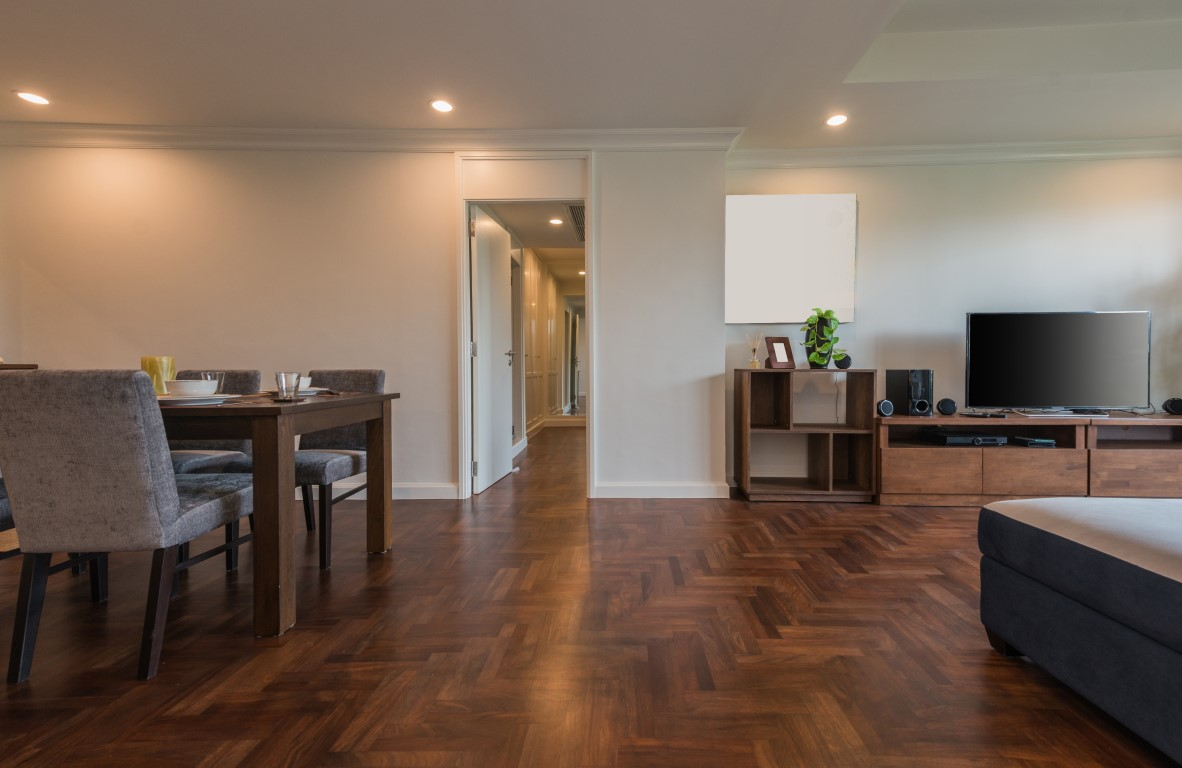 staining your wood floor 2 (Medium)